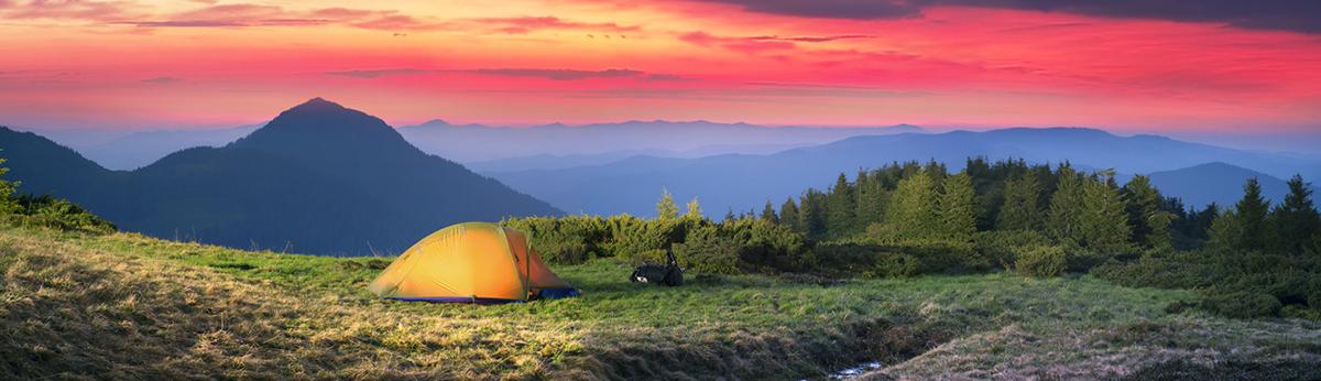 Outdoor Landschaft mit Zelt